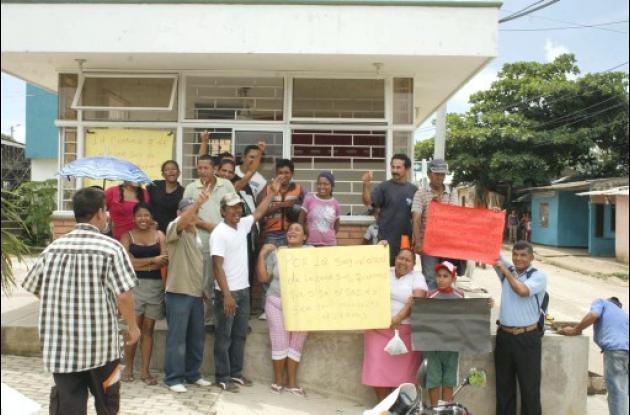 Protesta para que no sea retirado el servicio del CAI