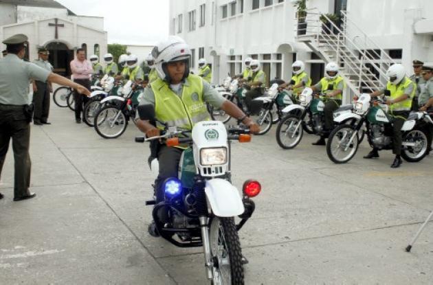 la Policía Nacional recibió de la Alcaldía, 14 nuevas motocicletas