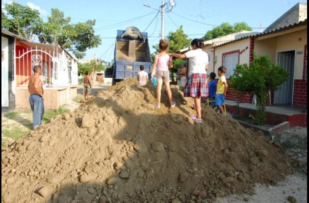 Iniciaron obras de arreglo de vías en Villa Juana.