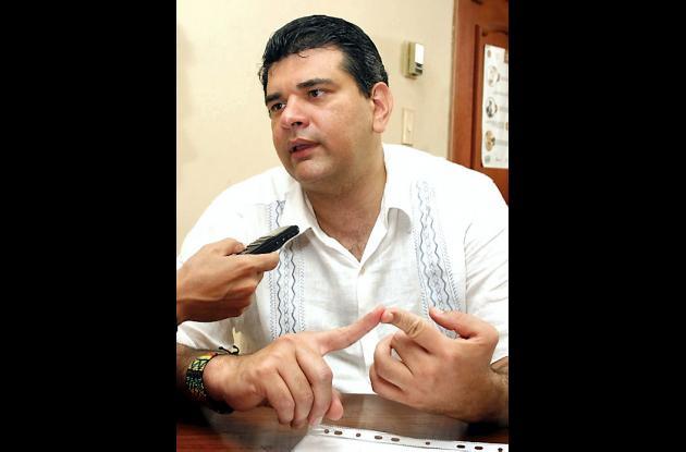 Gustavo Montes de AICO, avanza en su campaña política.