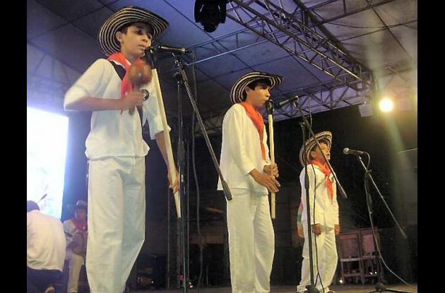 Los niños de la Escuela de Formación Musical de Gaitas de Ovejas.
