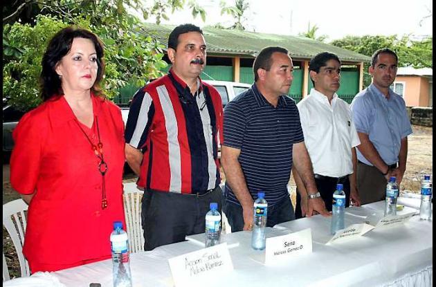 Acto inaugural del Centro, con representantes de diferentes entidades