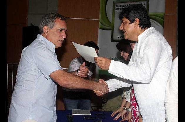 El alcalde electo de Sincelejo, Jairo Fernández Quessep al recibir su credencial
