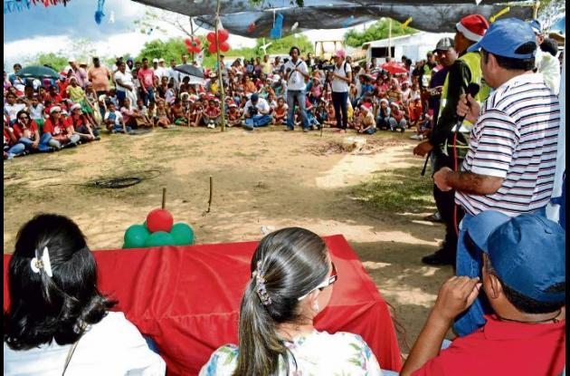habitantes de Doña Ana compartieron el primer día de Novena.