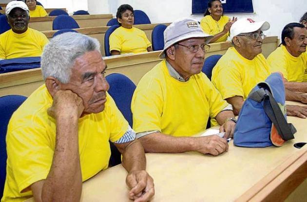Los adultos mayores continuarán recibiendo los beneficios del programa