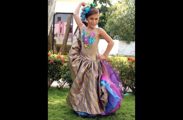 Mari Angela Villalobos Nasser, reina infantil del 20 de Enero