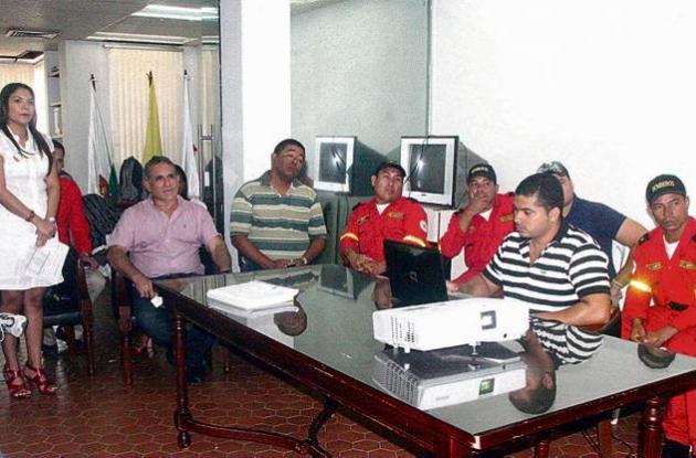 Jairo Fernández Quessep se reunió con los miembros del Cuerpo de Bomberos