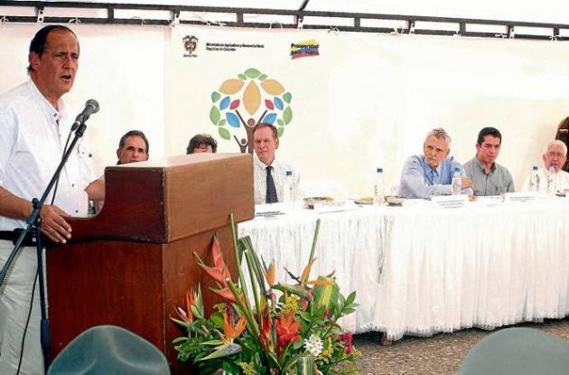 El ministro de Agricultura, Juan Camilo Restrepo