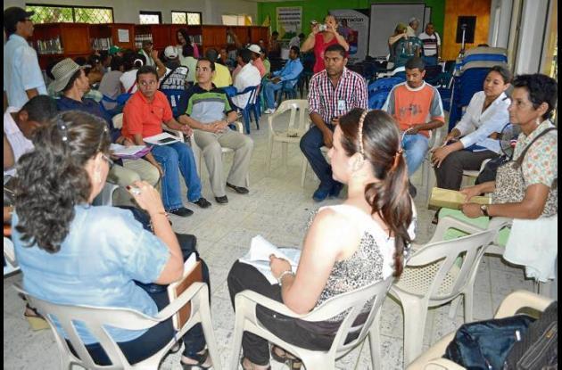 las comunidades del San Jorge participaron en mesas de trabajo.