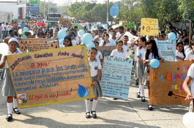 caminata de celebración del Dí Mundial del Agua.