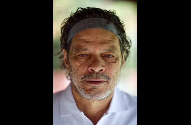 Murió Sócrates, uno de los grandes del fútbol brasileño.