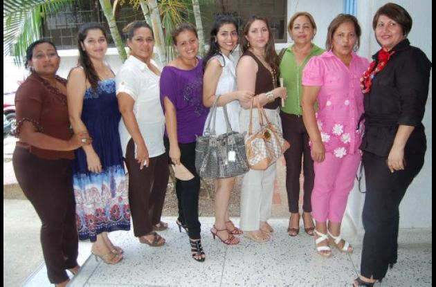 Funcionarios de Dasssalud agasajaron a las mujeres