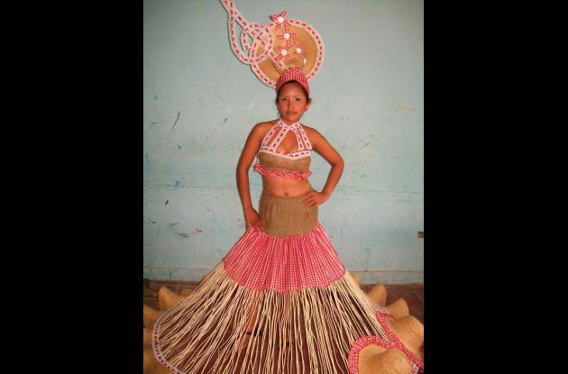Anay Arroyo, vestido típico Yirene por siempre