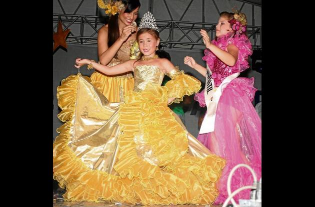 La reina infantil, María Angela Villalobos Nasser