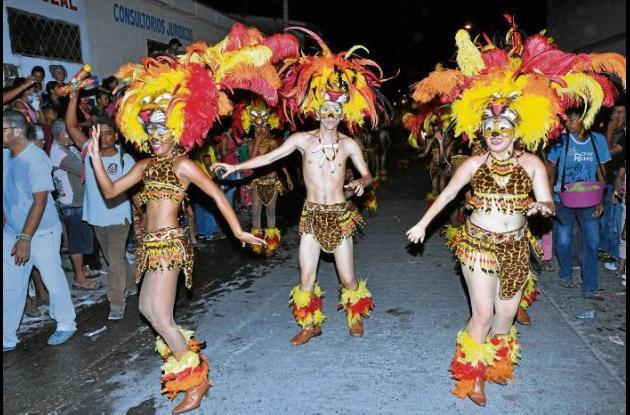 La danza africana también se tomó las principales calles de la ciudad