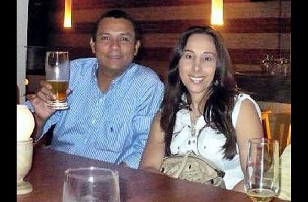odontólogo fallecido y su esposa