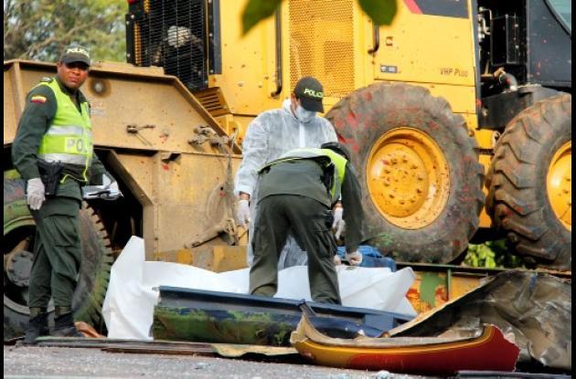 El trágico accidente dejó tres personas muertas y 25 más heridas.