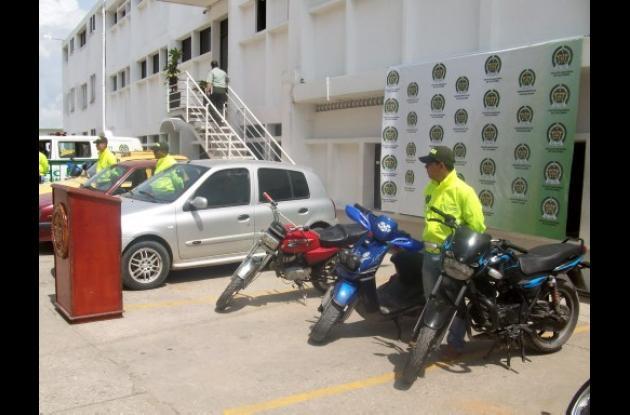 Recuperan 3 carros y 9 motos en Sucre