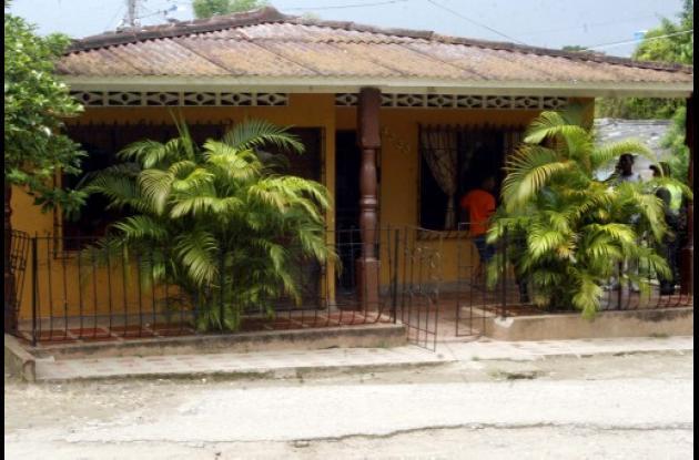 Desconocidos asesinan a mujer en Santa Cecilia