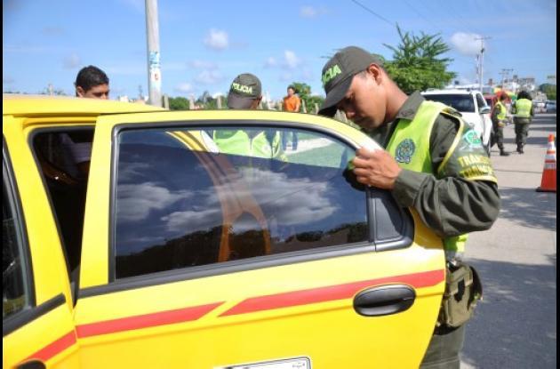 Los operativos de control a vehículos con polarizados continúan