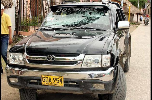 La camioneta del líder político, Julio Canchila, fue destruida