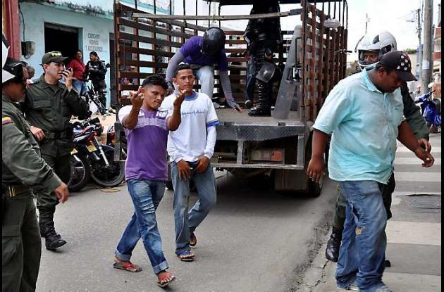 Los capturados fueron llevados a la Unidad de Reacción Inmediata de la Fiscalía