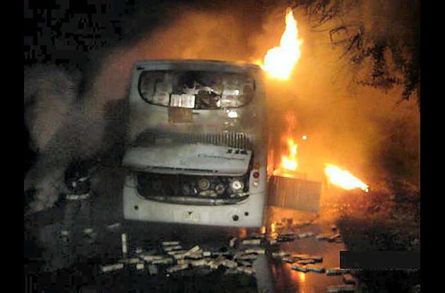El bus se incineró totalmente