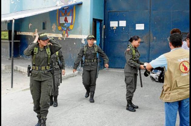 registro sorpresivo en los diferentes pabellones de la Cárcel Nacional La Vega