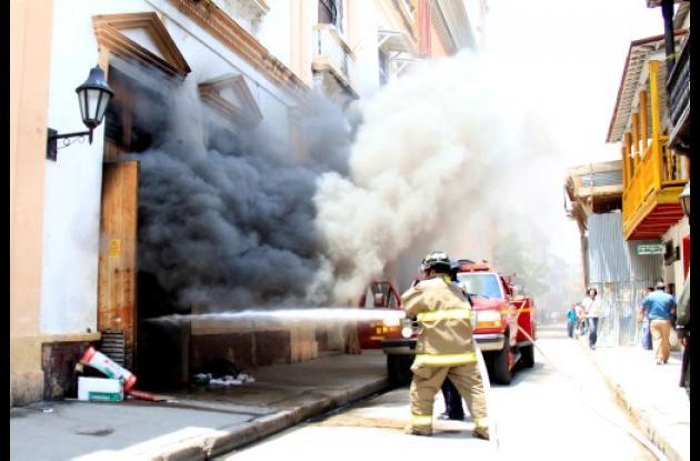 Incendio de subestación Imprenta, en el Centro Histórico.