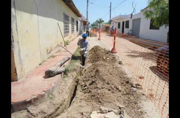 Surtigás instala redes de distribución de gas en Córdoba.