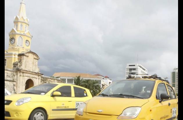 La campaña busca ayudar a los taxistas legales y a la comunidad.