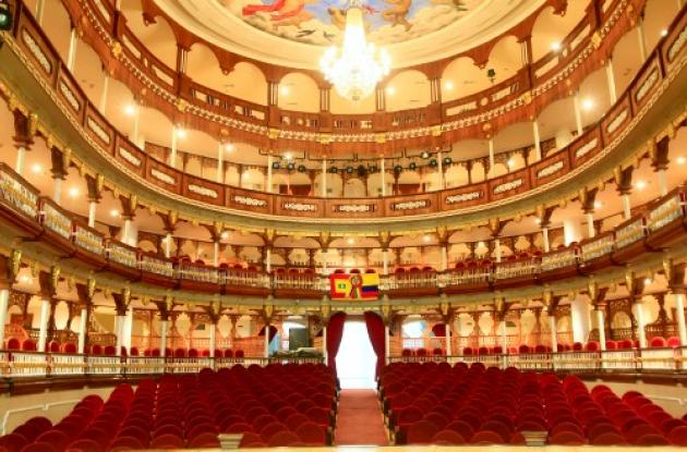 Teatro Adolfo Mejía: joya arquitectónica de Cartagena.