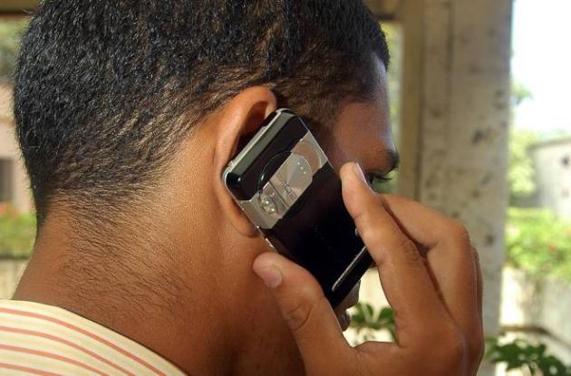 Bajarán tarifas de telefonía celular desde el 1° de abril.