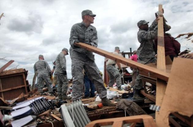Tornados siguen azotando a Estados Unidos.