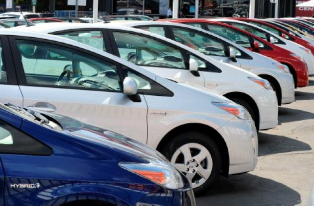 El Toyota Prius es un experimento científico.Trabaja con gasolina y electricidad