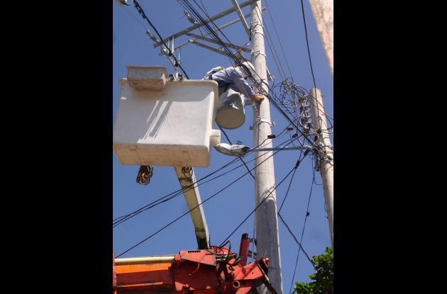 Electricaribe sigue en su proceso de instalación de red trenzada.