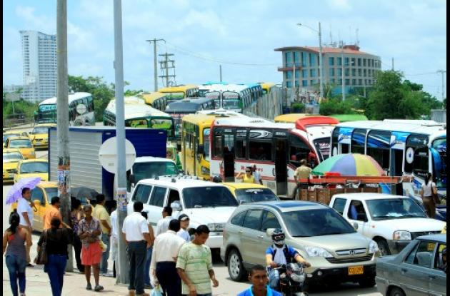 Siguen los trancones en el sector de Puerto Duro.