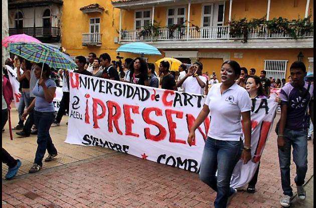 Los estudiantes de la Universidad de Cartagena también manifestan pacíficamente
