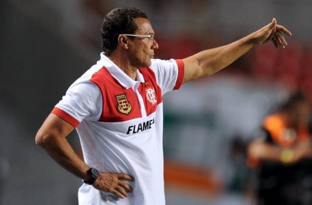 Vanderlei Luxemburgo sale de la dirección técnica del Flamengo.