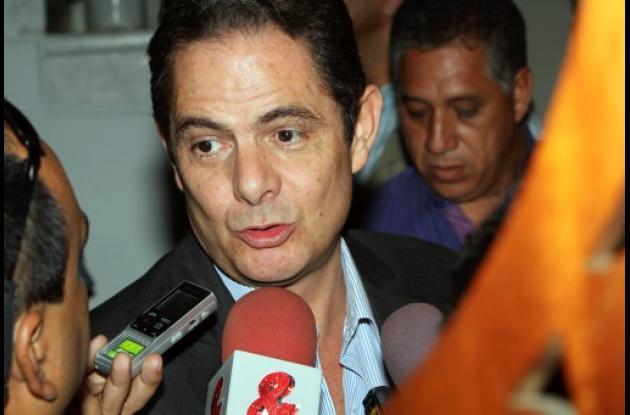 Germán Vargas Lleras,  ministro del Interior y Justicia.