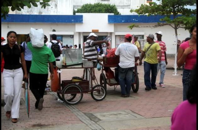 Vendedores en Avenida Venezuela.