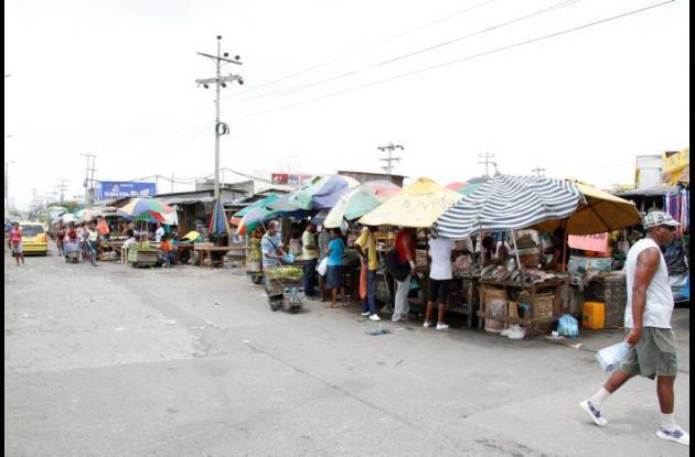 Ventas informales en el Mercado de Bazurto de Cartagena