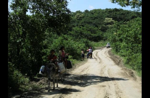 Estado actual de la vía que comunica a El Salado con El Carmen de Bolívar.