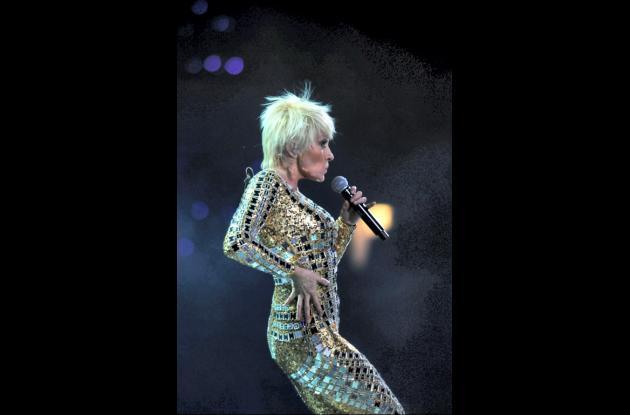 Yuri canta en el Festival de la Canción de Viña del Mar.