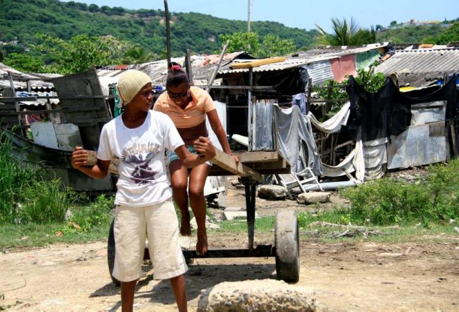 residentes de los barrios a orillas de La Perimetral.
