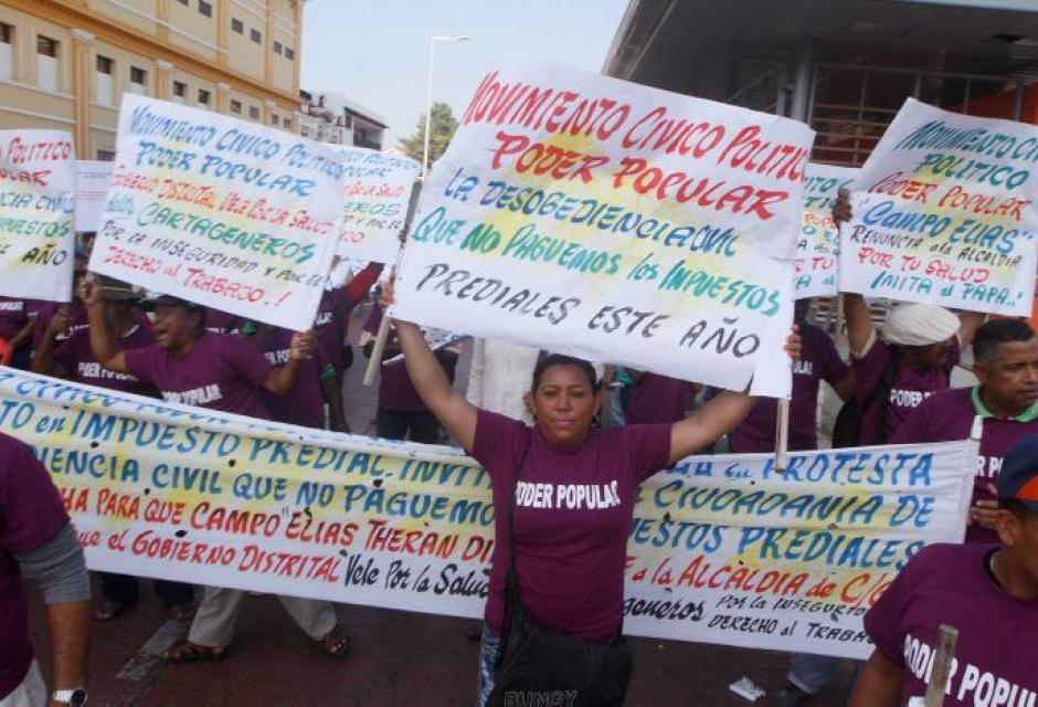 protesta en el centro por cobro del impuesto predial