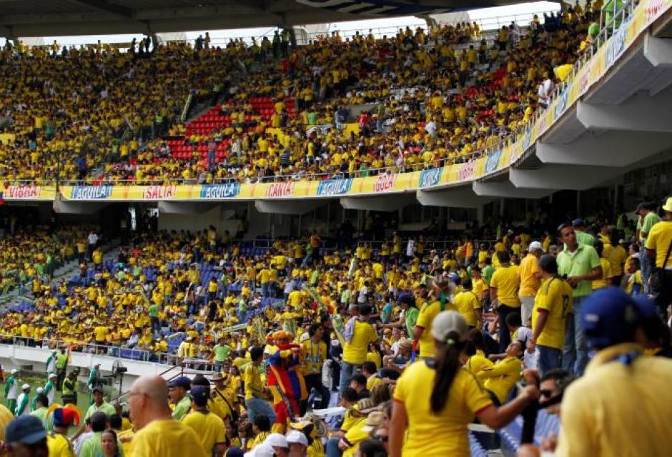 El estadio se vistió de amarillo