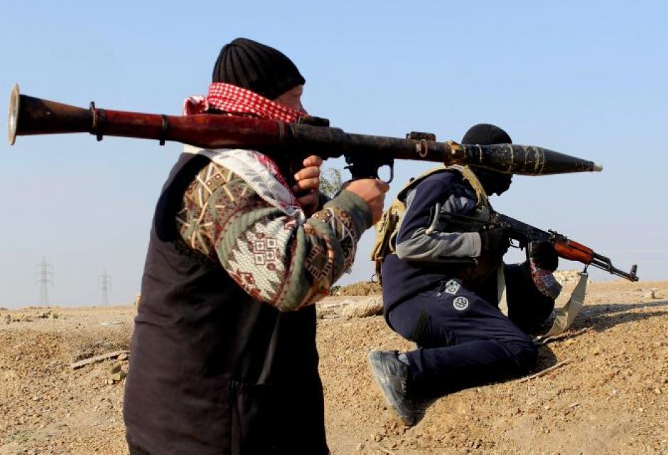 1.  ISIS - 2.000 millones de dólares anuales.  Sus ingresos llegan a través de la venta de petróleo de los campos que utiliza en Siria e Irak.