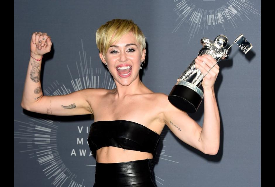 6. Miley Cyrus, 22 años, $36 millones de dólares.