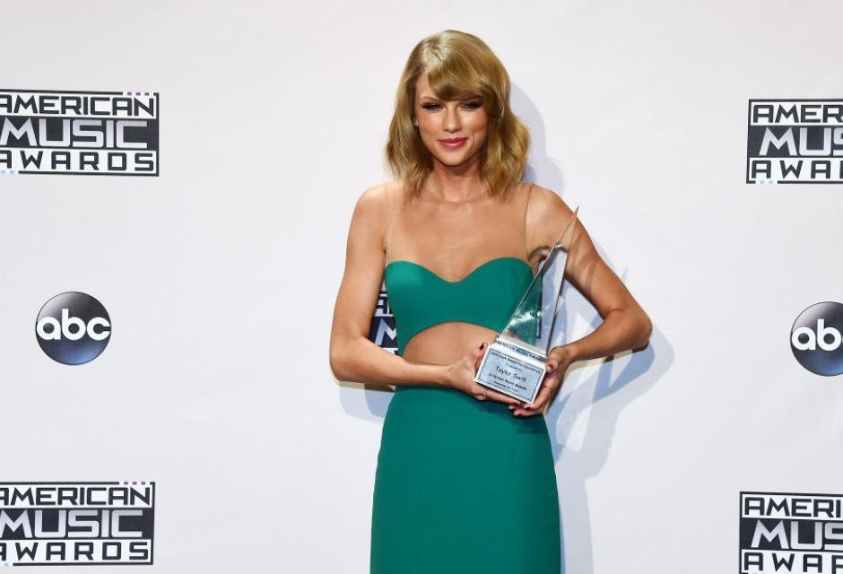 3. Taylor Swift, 24, $64 millones de dólares.